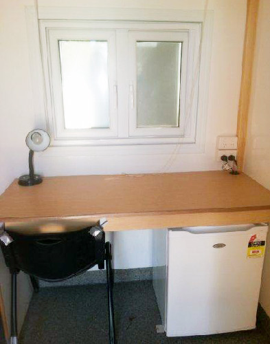 desk-mobile-accommodation-4x4